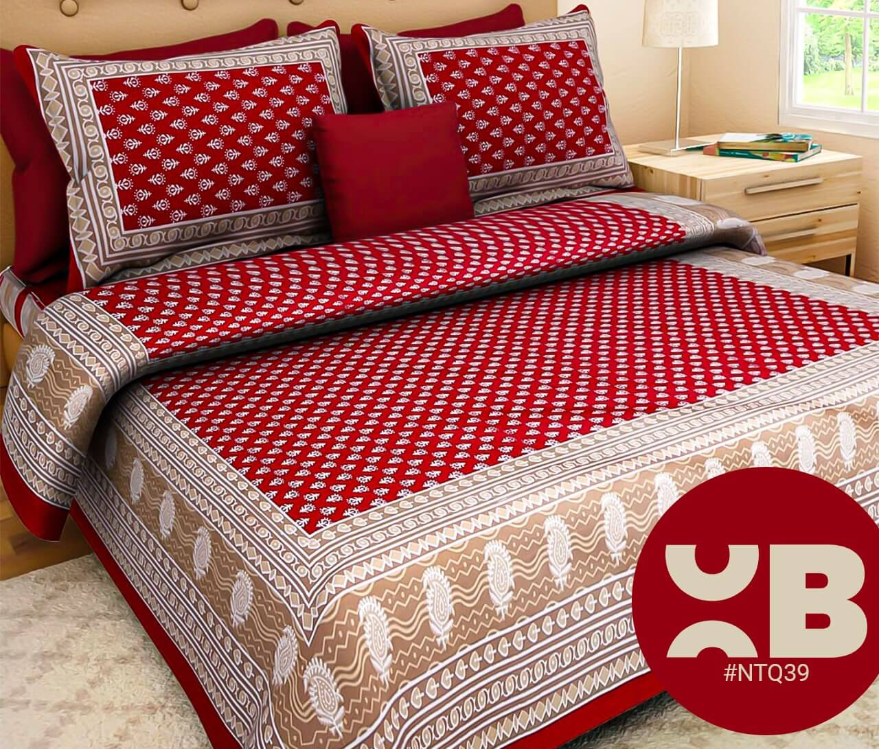 Maroon Booty Print Double Bedsheet With Two Pillow Covers (90x100)
